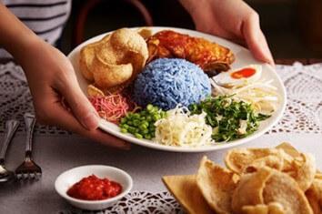 makanan khas malaysia, nasi lemak malaysia, kuliner malaysia