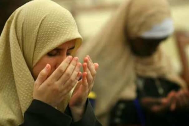 Kumpulan doa harian islam / doa sehari hari dalam islam yang pendek dan mudah dihafal, dalam bahasa arab dan terjemahannya + cara berdoanya.